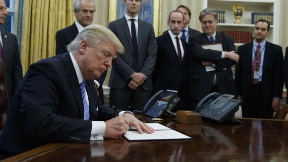 Trump Bannon.jpg